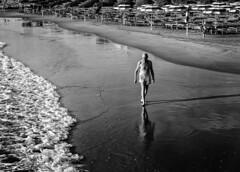 _DSC6840 (Giuseppe Cocchieri) Tags: bw blackwhite blackandwhite bianconero biancoenero sea mare beach spiaggia summer estate allaperto nikon nikkor light luce reflection t