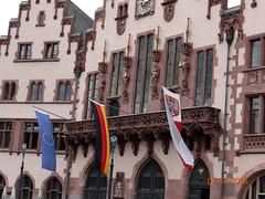 Rmer Flags (Yvonne IA) Tags: germany frankfurt rmerbergsquare oldtown rmerbergcityhall cityhall rmer rathaus altstadt rmerbergplaza
