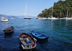Barquitas tranquilas (a_marga) Tags: cinqueterre laspezia italia italy liguria costa mar sea patrimoniodelahumanidad unesco worldheritage barcas boats blue azul