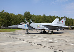 MIG-31 93 RF-92379 CLOFTING IMG_1176+FL (Chris Lofting) Tags: mig31 rf92379 93 savasleyka russianairforce foxhound
