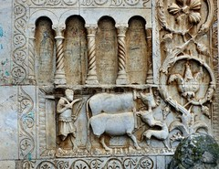 Spoleto - San Pietro extra moenia (Martin M. Miles) Tags: spoleto sanpietroextramoenia invincoli sanpietroinvincoli graffiti peasant ox dog perugia umbria umbrien italy