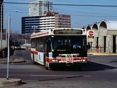 TTC D40LF 7302 Islington Stn. (bishop71701) Tags: ttc d40lf new flyer islington station 37