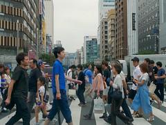 walk_1250394 (strange_hair) Tags: tokyo street japan walk pedestrian cross road ginza