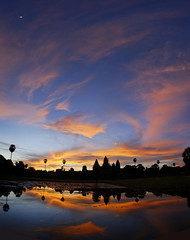 2008.08.25 05.51.59.jpg (Valentino Zangara) Tags: angkorwat cambodia flickr reflection ruins siemreap sky sunrise temple water krongsiemreap siemreapprovince cambogia kh