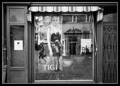 Tigi & Me (toletoletole (www.levold.de/photosphere)) Tags: fuji luzern street xt1 fujixt1 bw sw window shopwindow reflection spiegelung selfie selbstportrait selfportrait