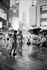 New York - Rain, at last (RoryO'Bryen) Tags: newyork rain lluvia street roryobryen rangefinder rúa rue leicam leicam6 film ishootfilm yesfilm ilfordfp4 blackandwhite noiretblanc prêto usa copyrightroryobryen theatredistrict midtown manhattan urbanlifeinmetropolis analog 35mm m6 messsucher leicaelmaritm28mmf28asph