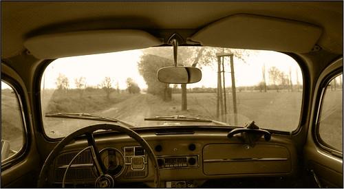 IN MEINEM AUTO