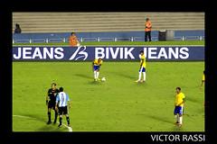 Brasil x Argentina (Victor Rassi 9 millions views) Tags: esportes futebol brasilxargentina coparoca 20x30 brasil 2012 goiânia goiás colorida canon américa américadosul canonef75300mmf456isusm estádioserradourada canoneosdigitalrebelxti rebelxti xti