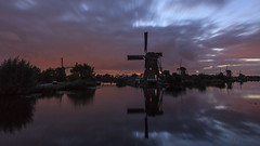 Kinderdijk (KennethVerburg.nl) Tags: sunset reflection mill netherlands windmill dutch zonsondergang nederland kinderdijk molen landschap gloaming windmolen zuidholland reflectie vollemaan