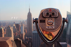 Turn to clear vision (KR C) Tags: plaza new york city nyc sky usa building rock skyline canon observation us dof state top manhattan united center deck binoculars empire states 1855mm therock rockefeller 600d canon600d