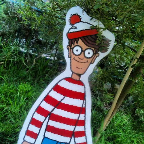 "If you had a life size ""Where's Wally"" or ""Waldo"" to hide in #capetown where would you hide him? http://bit.ly/QQG9wA"
