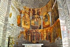Pinturas murales en el interior de la iglesia de Santa Maria de Iguacel (lumog37) Tags: church painting gothic iglesia romanesque pintura apse romnico gtico bside