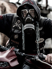 P1200618 (O.Th Photographie) Tags: fighter motorrad blutwurst prchen industrie alt ps gefhrlich grafiti look badboy elbside fighters