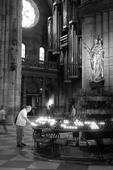 people in the cathedral (BZK2011) Tags: people blackandwhite bw candles cathedral sony kathedrale menschen organ minster kerzen orgel freiburgimbreisgau schwarzweis rx100 freiburgermnster freiburgminster opferkerzen
