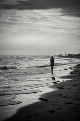 (Laura Cappelluzzo) Tags: blackandwhite beach sea