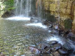 Tres puntos de cada .. (margabel2010) Tags: cascadas cascada piedras piedra presas presa algas estanque agua aguadulce ramas hojas airelibre sierra guadarrama