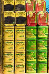 Strae der Sardinen (Seahorse-Cologne) Tags: tretat dpartementseinemaritime regionnormandie normandie sardinen konserven dosen