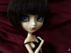 Stunner (Pullipprincess) Tags: pullip pullips pullipkuhn kuhn doll dolls cute kawaii customized custom groove grooveinc jpgroove junplanning red indoor