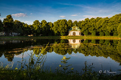 Hubertusbrunnen - Schloss Nymphenburg (Ali Yamaner) Tags: hubertusbrunnen schloss nymphenburg munich mnchen bayern deutschland germany reflection fountain