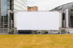Projection Screen (pni) Tags: street urban white grass suomi finland helsinki quiet pavement kiasma screen projection environment helsingfors asphalt posti museumofcontemporaryart sanomatalo postitalo posthus skrubu pni manandenvironment ppostitalo pekkanikrus nykytaiteenmuseo museetfrnutidskonst sanomahuset