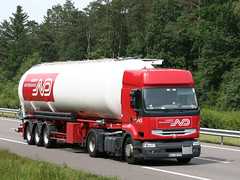 ND 17 (Mulligan2001) Tags: truck renault premium norbertdentressangle