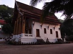 Wat Siphoutthabath (gorbulas_sandybanks) Tags: laos lao luangprabang watsiphoutthabath 13nov2012