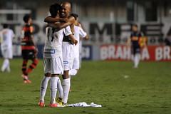 Neymar e Victor Andrade (Santos Futebol Clube) Tags: branco victor vila e noite campeonato brasileiro flamengo belmiro andrade brasileiro neymar