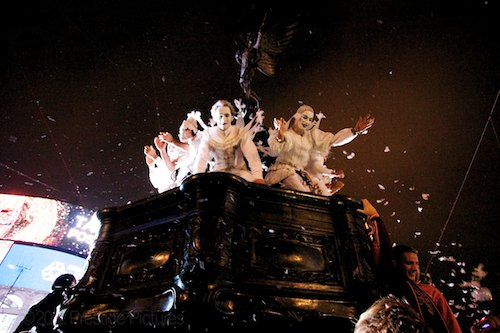 Angels from the Place des Anges show Come Down to Earth