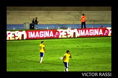 Brasil x Argentina (Victor Rassi 8 millions views) Tags: esportes futebol brasilxargentina coparoca 20x30 brasil 2012 goiânia goiás colorida canon américa américadosul canonef75300mmf456isusm estádioserradourada canoneosdigitalrebelxti rebelxti xti