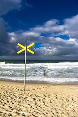blue and yellow (PascalStankowski) Tags: strand kreuz pascal sylt westerland stankowski
