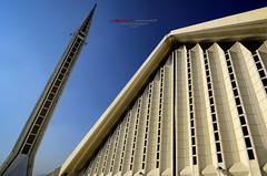 Faisal Mosque, Islamabad (Usman Hayat) Tags: nikon wide creative mosque tokina 28 ultra faisal hayat islamabad usman 1116 d7000 uhayat