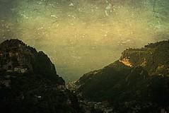 Panorami Amalfitani (Ska * mon) Tags: light sea sky italy panorama verde green landscape italia mare campania amalficoast case cielo scala luce amalfi paesaggio scorcio paese pontone