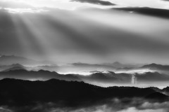 message from the magic kingdom (StephenCairns) Tags: morning blackandwhite bw mist mountains japan canon 日本 layers 雲 山 gifu 太陽 lightrays 光 春 日の出 朝 motosu 白黒 霧 煙 光線 stephencairns canon5dmarkii 本巣市 mydaddiedfromalzheimersamonthand5daysafteritookthisphotoiwasthinkingabouthimwhileiwasuphereimnotparticularlyreligiousbutsometimesitmakesyouwonder