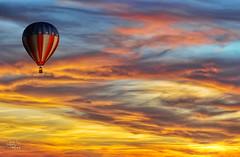 Que el viento te lleve (DSC_7771) (Jos Luis Prez Navarro) Tags: sunset sky clouds atardecer nikon balloon cielo nubes retouch hdr globo fotomontaje d60 nikond60 blacky2007 platinumheartaward ostrellina josluisprez 20tfatardeceramanecer