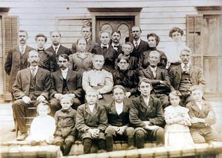HUFFSTUTTER FAMILY REUNION, 1910, GALT, MISSOURI