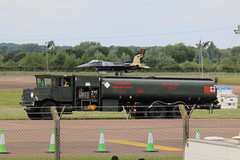 Truck top landing. (aitch tee) Tags: aircraft f16 arrivals raffairford f16cfightingfalcon soloturk riat2016 royalinternationalairtattoo2016 wednesday6july2016