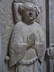 ca. 1406 - 'Béatrice (Béatrix) de Beau(s)sart (+1419) and son Guillaume de Melun (+1406)', castle chapel, Château d'Antoing, Antoing, province of Hainaut, Belgium (roelipilami (Roel Renmans)) Tags: 1406 beatrice beatrix de biausart beausart beaussart guillaume melun 1419 antoing chateau castle kasteel hainaut belgium dalle funéraire grafbeeld grafplaat tomb effigy gisant sepulcro grabmal grabdenkmal grafmonument grave son mother tabard surcotte surcoat mail standard boy belt houppelande titling helm frog mouth helmet bull crest spur armor armour knight ritter rüstung harnas armure sabaton wapenrok