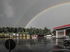 settembre 01 (Giulio Gigante) Tags: rainbow arcobaleno paesaggio landscape pompa benzina gasoline station urban gry grigio colors colori eccoqua giulio giuliogigante giuliogigantecom francavilla abruzzo italia italy pioggia rain