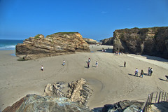 playa las catedrales2 (S H Candela) Tags: fz72 hdr raw paisaje panasonic playa naturaleza galicia ribadeo mar rocas arena