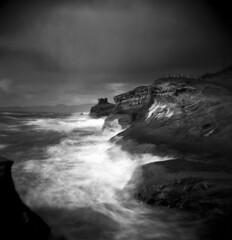 Storms (Zeb Andrews) Tags: holga capekiwanda oregoncoast blackwhite film mediumformat 6x6 stormy moody pacificnorthwest oregon landscape