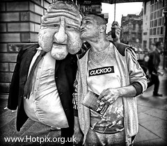 Fringe2012 - I've got a secret to share, High Street, Royal Mile, Edinburgh City, Fringe Festival, UK (Hotpix [LRPS] Hanx for 1.5M Views) Tags: street city uk travel bw white black paris festival tattoo french mono scotland big edinburgh shot puppet head extreme capital large scottish tshirt august fringe tourist busker scotia bandw scenes hdr cuckoo parisian scots 2012 polystyrene ecosse hotpix tonysmith monohdr festival2012 fringe2012 2012fringe