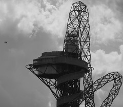 The top of the ArcelorMittal Orbit (hobbitbrain) Tags: blackandwhite sculpture london tower stadium helicopter gb olympicpark orbit stratford 2012 olympicgames london2012 teamgb arcelormittal arcelormittalorbit