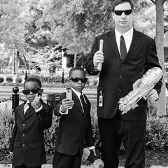 Men in Black (Ron_McKitrick_Imagery) Tags: parade ron imagery atlantaga mckitrick dragoncon2012 ronmckitrickimagery