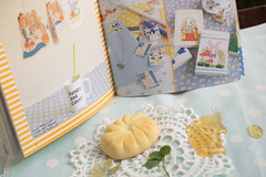 manju bun and Honey&Clover fan book (Helen Silivren) Tags: japan japanese clover bun manju honeyandclover hachikuro ハチミツとクローバー