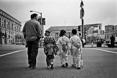 (AlanDejecacion) Tags: sanfrancisco california film fuji 150 kimono tradition neopan400 rodinal civiccenter leicam6 cherryblossomfestival 2011 japanesetradition summcron3520