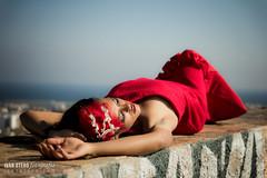 Maroa (2º TFA) (Iván Otero) Tags: red urban woman relax mujer rojo chica dress relaxing modelo brunette vestido relajante
