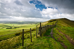 Rushup Edge (Dave Button) Tags: england green clouds landscape countryside derbyshire peakdistrict mamtor rushupedge