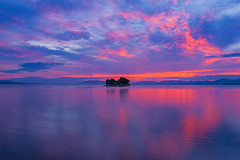 sunset 6618 (junjiaoyama) Tags: japan sunset sky light sun sunshine cloud weather landscape red blue contrast colour bright lake island bluemoment bluehour
