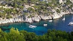 Ancres turquoises (GCau) Tags: gecau france provence cassis marseille calanques bateaux ships sea mer anchor turquoise blue bleu