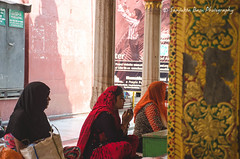 Women Praying At Nizamuddin Dargah (Sanjukta Basu) Tags: monuments delhi heritage restorationproject nizamuddin faith religion prayer women nizamuddindargah islam